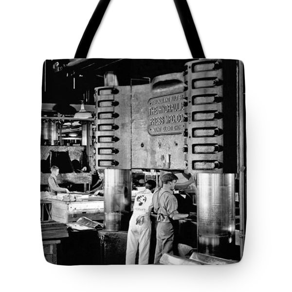 Wwii Aircraft Factory Tote Bag by Underwood Archives