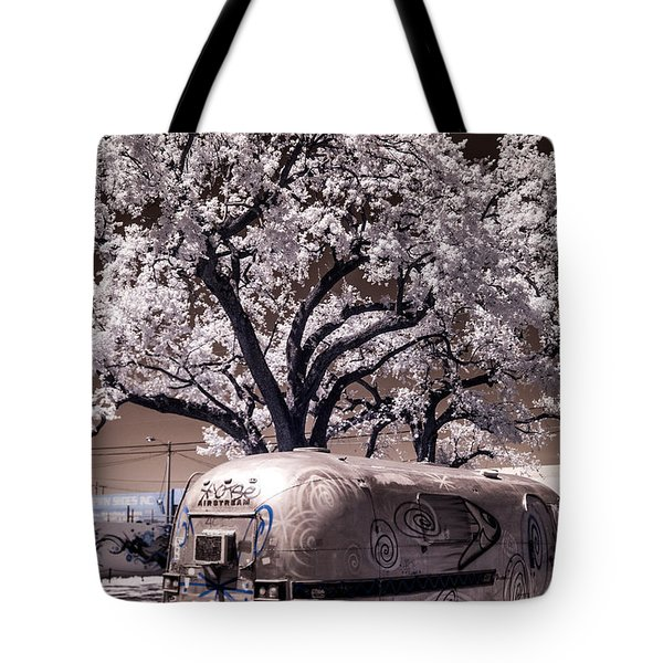 Wynwood Rv Tote Bag