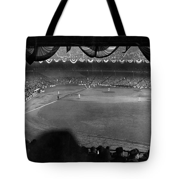 Yankees Defeat Giants Tote Bag by Underwood Archives