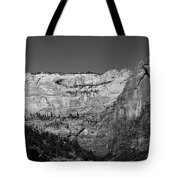 Zion Cliff And Arch B W Tote Bag