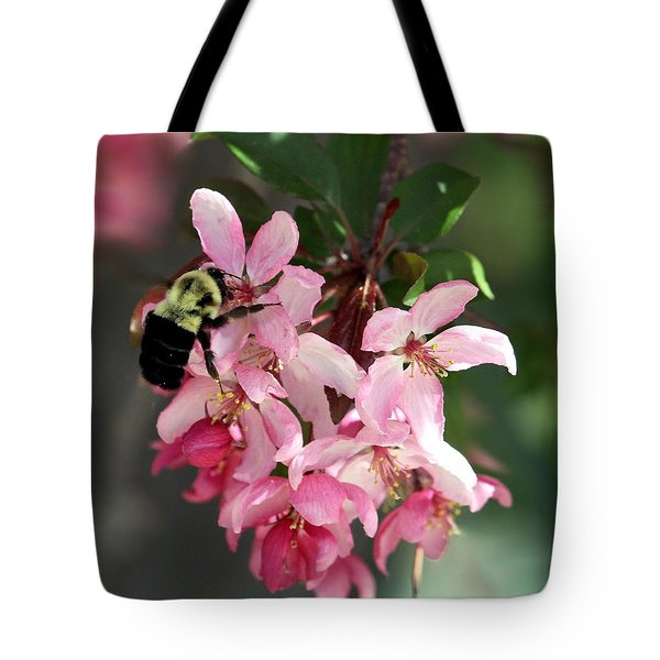 Tote Bag featuring the photograph Buzzing Beauty by Elizabeth Winter