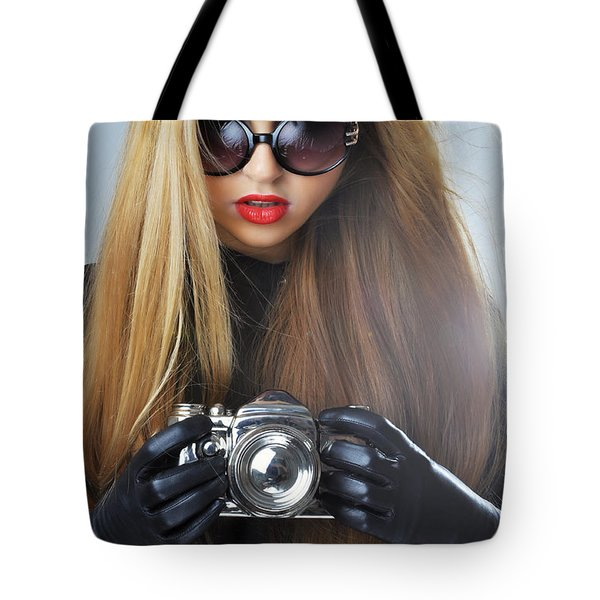 Liuda10 Tote Bag by Yhun Suarez