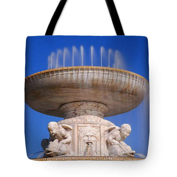 Tote Bag featuring the photograph The Belle Isle Scott Fountain by Gordon Dean II
