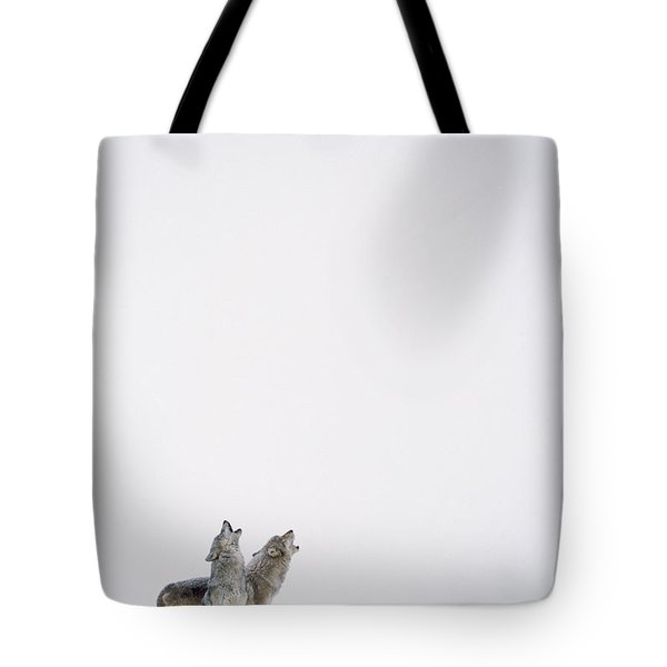 Timber Wolf Pair Howling In Snow North Tote Bag