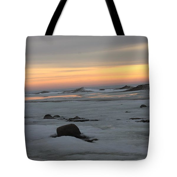 Winter Evening Lights Tote Bag