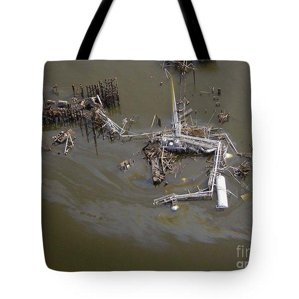 Hurricane Katrina Damage Tote Bag by Science Source