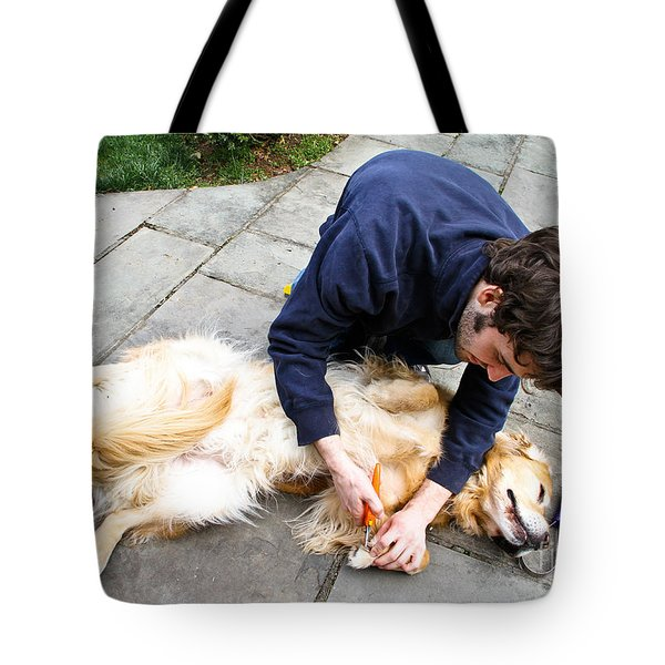 Dog Grooming Tote Bag by Photo Researchers, Inc.