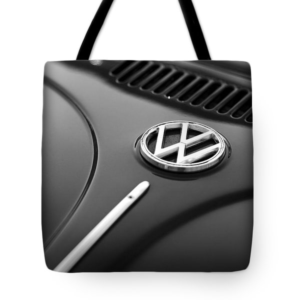 Tote Bag featuring the photograph 1973 Volkswagen Beetle by Gordon Dean II