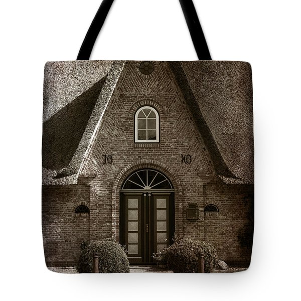 Thatch Tote Bag