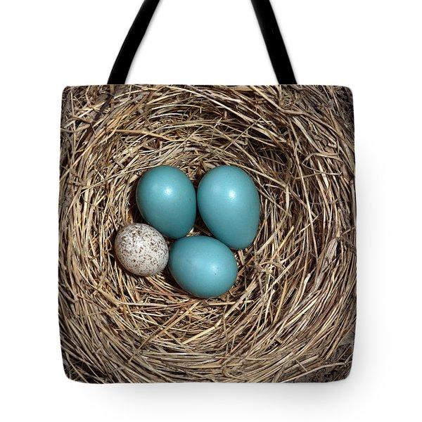 Robins Nest And Cowbird Egg Tote Bag