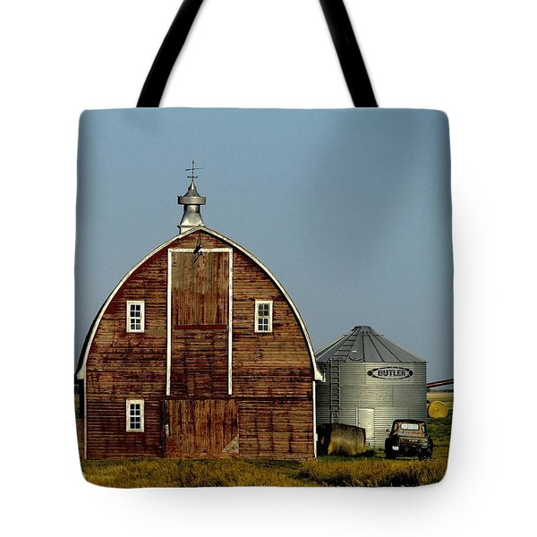 A Barn Near Plentywood Tote Bag