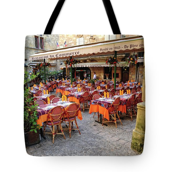 A Restaurant In Sarlat France Tote Bag by Dave Mills