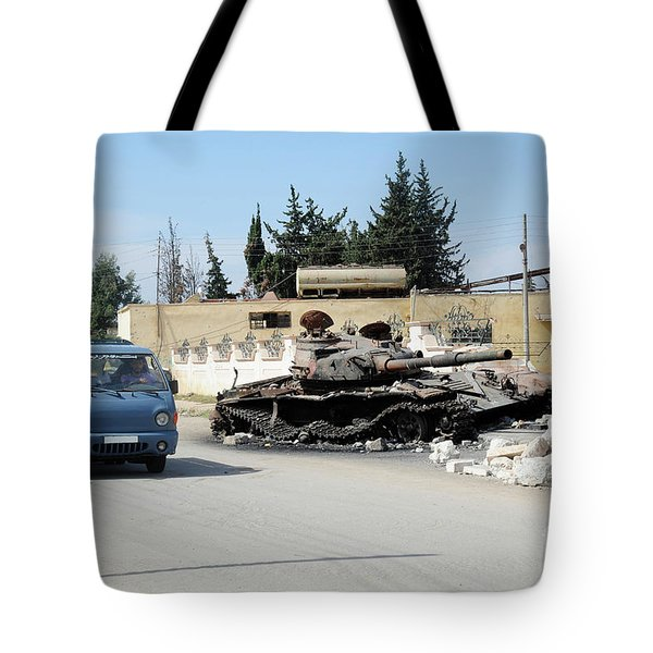 A Russian T-72 Main Battle Tank Tote Bag by Andrew Chittock