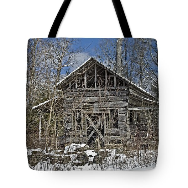 Tote Bag featuring the photograph Abandoned House In Snow by Susan Leggett