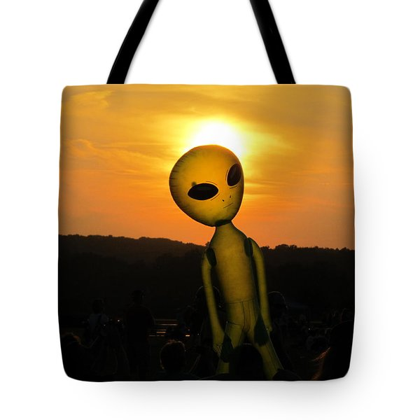 Alien Sunset Tote Bag
