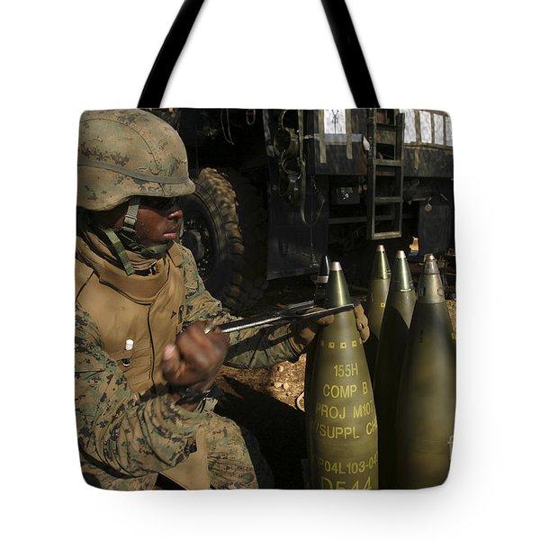 An Artilleryman Places A Fuse Tote Bag by Stocktrek Images