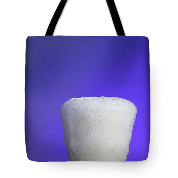 Baking Soda Reacting With Vinegar Tote Bag by Photo Researchers, Inc.