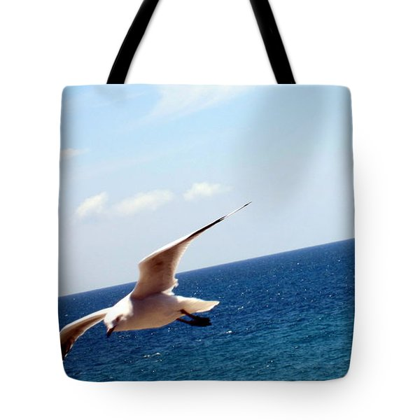 Tote Bag featuring the photograph Be Free by Roberto Gagliardi