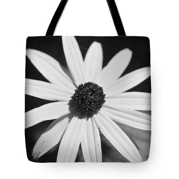 Black Eyed Susan In Bw Tote Bag