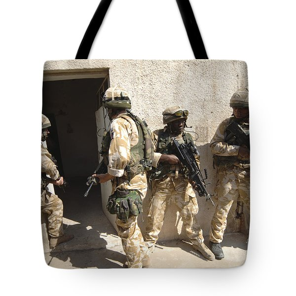 British Troops Training In Iraq Tote Bag by Andrew Chittock