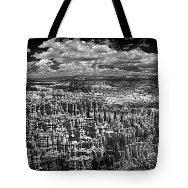 Bryce Canyon - Black And White Tote Bag by Larry Carr