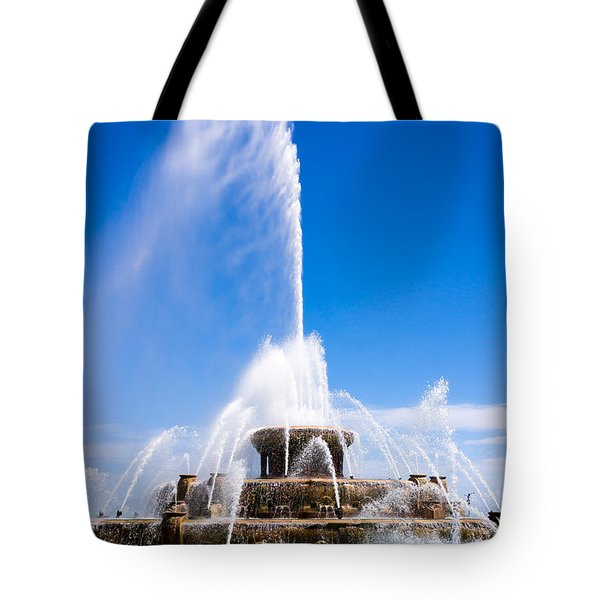Buckingham Fountain In Chicago Tote Bag by Paul Velgos