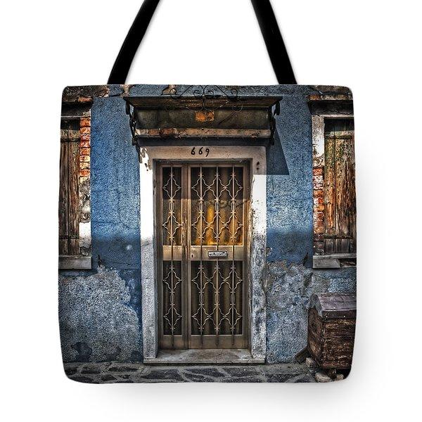 Burano - Venezia Tote Bag by Joana Kruse