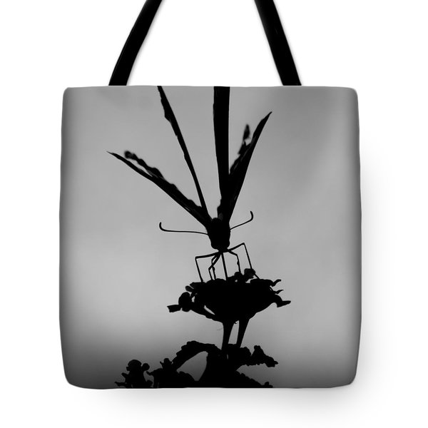 Butterfly On Lantana Bw Tote Bag
