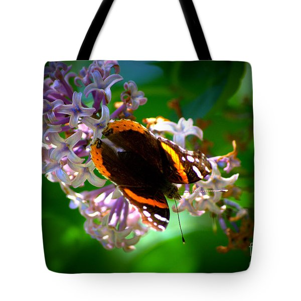 Butterfly On Lilac Tote Bag