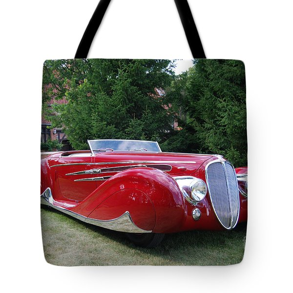 Car At Meadowbrook Tote Bag by Grace Grogan
