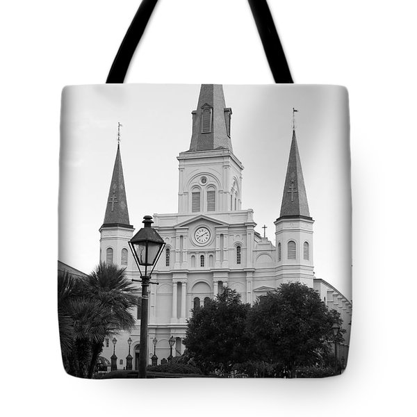 Cathedral And Lampost On Jackson Square In The French Quarter New Orleans Black And White Tote Bag