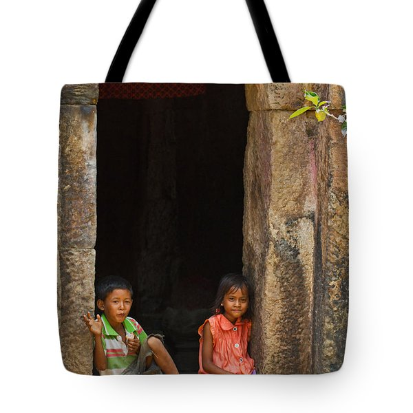 Children In The Doorway. Tote Bag by David Freuthal