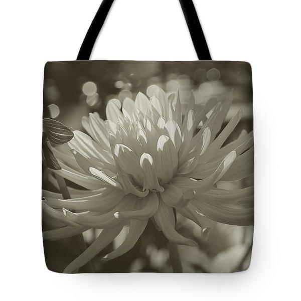 Chrysanthemum In Bloom Tote Bag by Xueling Zou