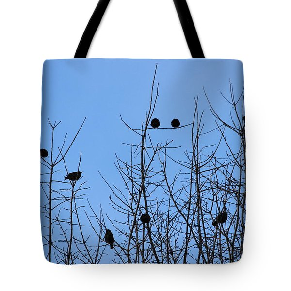 Tote Bag featuring the photograph Circle Of Friends by Kume Bryant