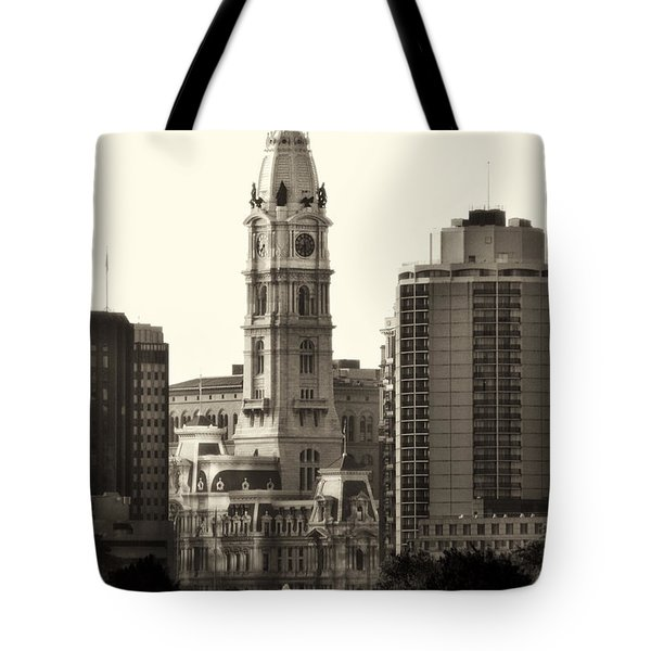 City Hall From The Parkway - Philadelphia Tote Bag by Bill Cannon
