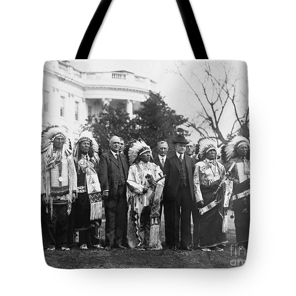 Coolidge With Native Americans Tote Bag by Photo Researchers