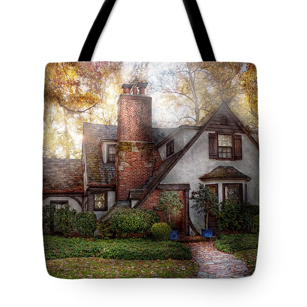 Cottage - Westfield Nj - Grandma Ridinghoods House Tote Bag by Mike Savad