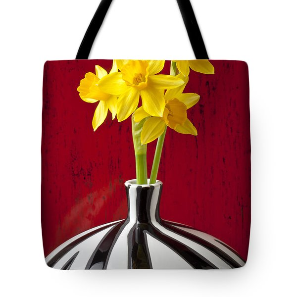Daffodils Tote Bag by Garry Gay