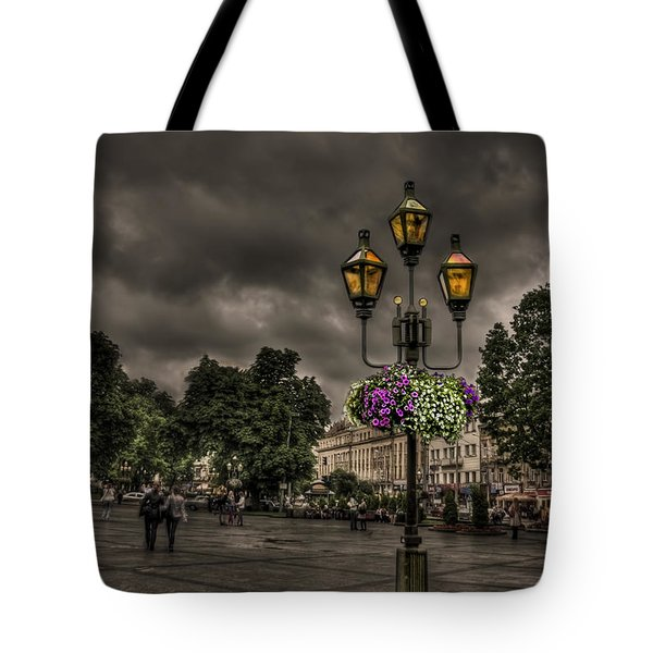 Days Of Thunder Tote Bag by Evelina Kremsdorf