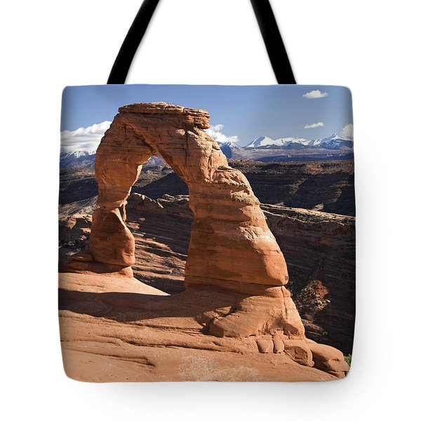 Delicate Arch Tote Bag by Gloria & Richard Maschmeyer