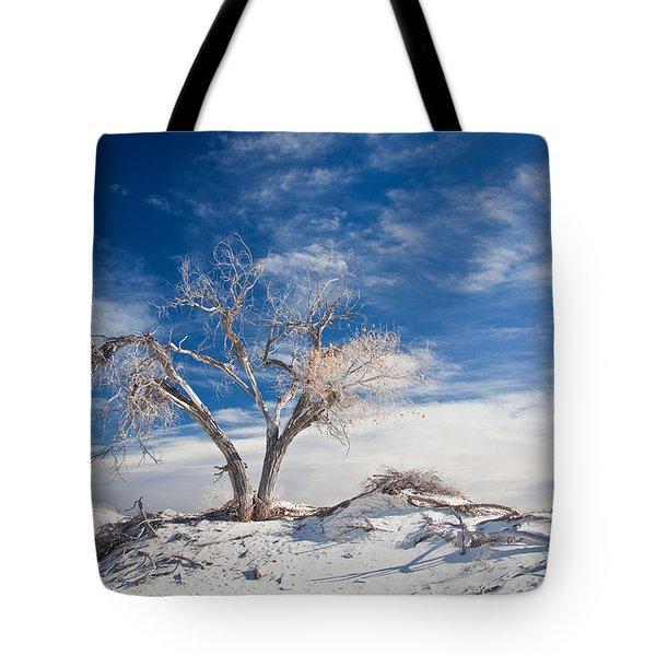 Desert Tree In White Sands Tote Bag by Ralf Kaiser