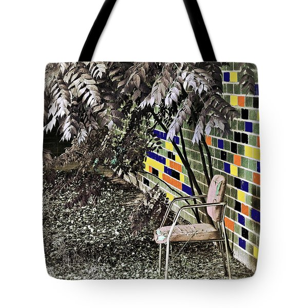 Design On A Dime Tote Bag by Gwyn Newcombe