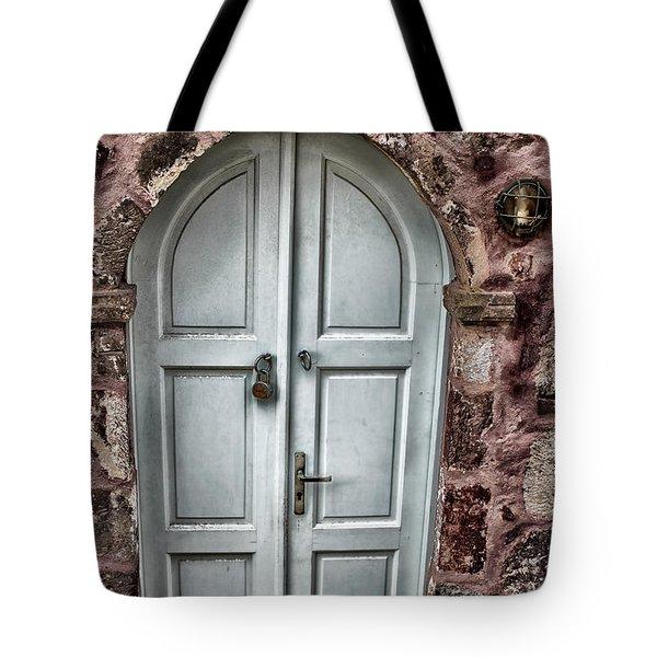 Door In Santorini Tote Bag by Tom Prendergast