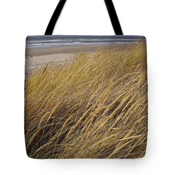 Dune Grass On The Oregon Coast Tote Bag by Mick Anderson