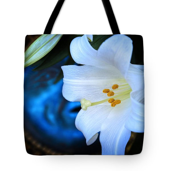 Tote Bag featuring the photograph Eclipse With A Lily by Steven Sparks