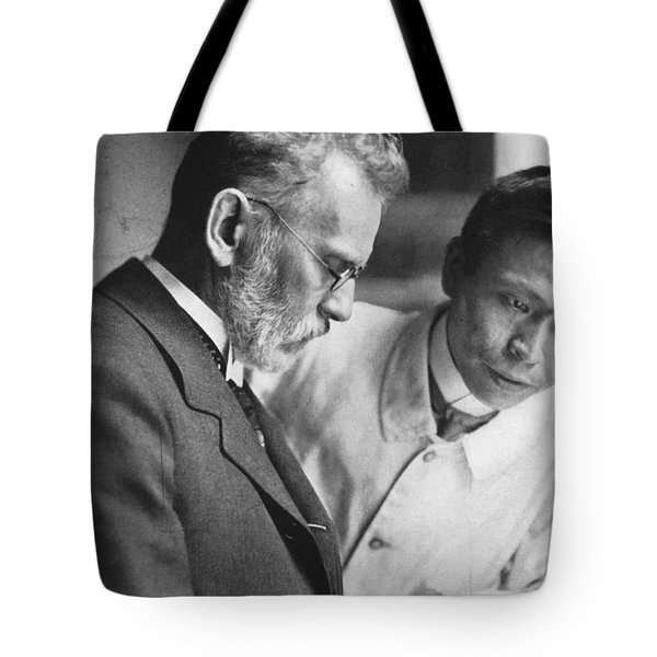 Ehrlich And Hata, Discovered Syphilis Tote Bag by Science Source