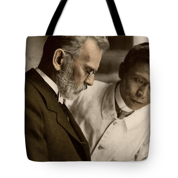 Ehrlich And Hata, Discoverers Tote Bag by Science Source