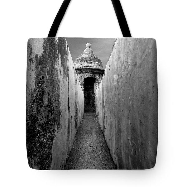 El Morro In Black And White Tote Bag