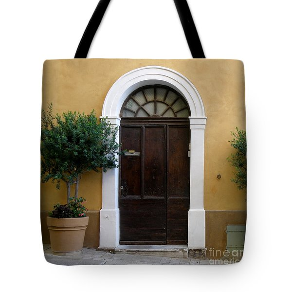 Tote Bag featuring the photograph Enchanting Door by Lainie Wrightson