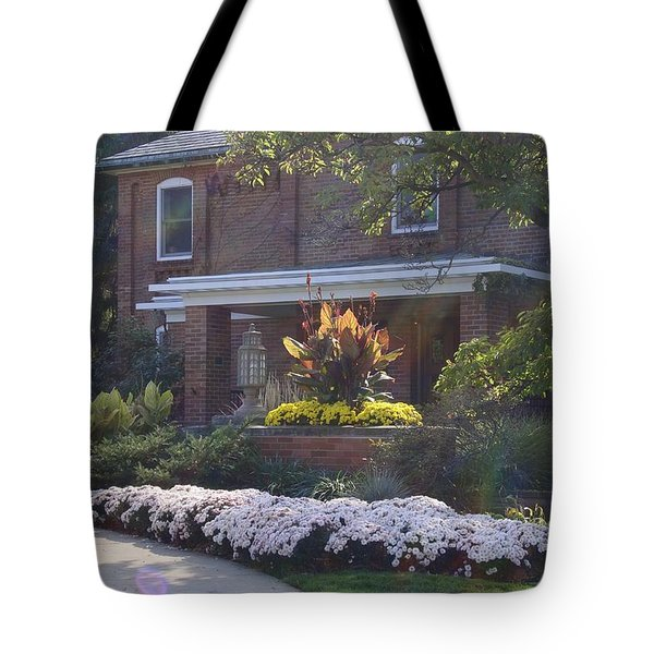 Tote Bag featuring the photograph Fall Cowles by Joseph Yarbrough